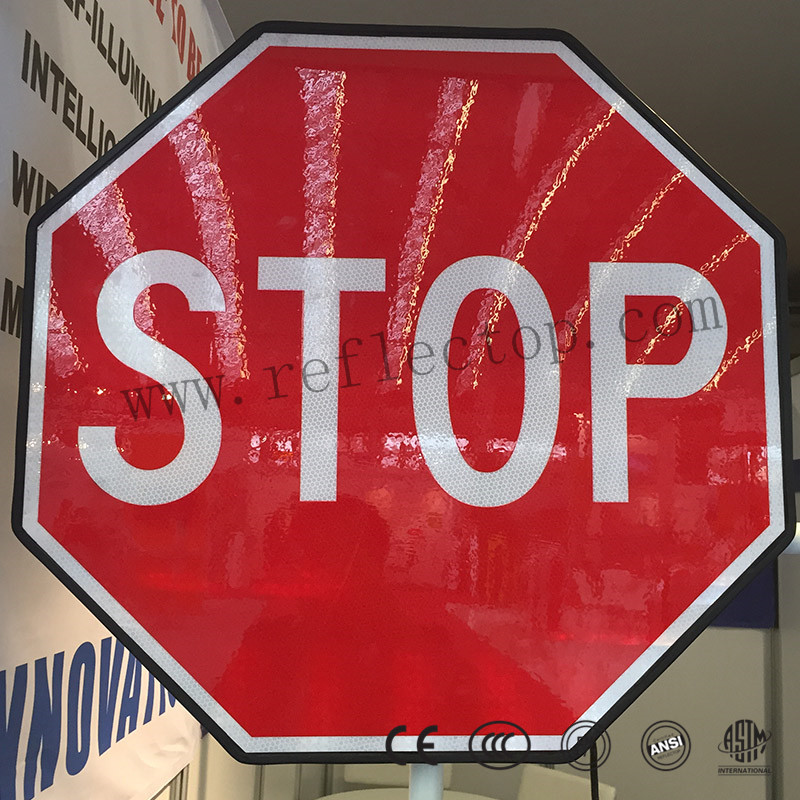 reflective sheeting for traffic signs