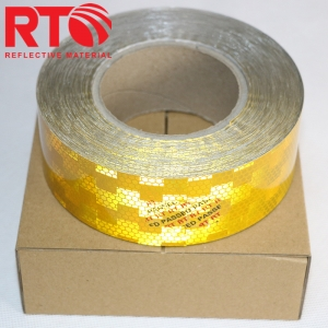 Retro-reflective tape for vehicle